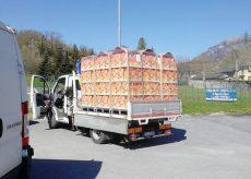 La Guida - Pacco di Pasqua in distribuzione alle famiglie della Valle Stura