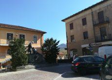 La Guida - 25 Aprile a Borgo, il sindaco da solo in piazza