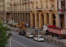 La Guida - Cuneo, lavori in corso Giolitti all'angolo con via Bassignano