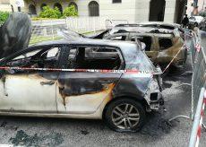 La Guida - Borgo, tre auto distrutte dalle fiamme