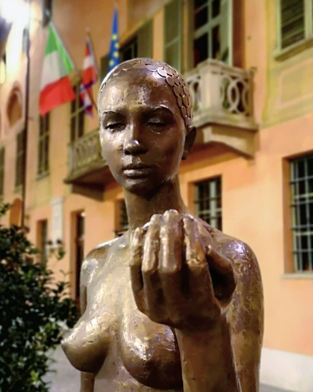Cherasco - Statua di Sergio Unia all'aperto