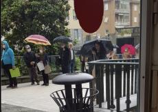 La Guida - Ospedale: code sotto la pioggia per le visite