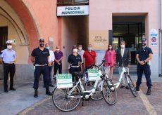 La Guida - Egea dona due bici elettriche alla Polizia municipale albese