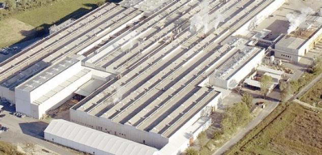 La Guida - Presidio dei lavoratori contro la chiusura della Stamperia Miroglio di Govone