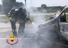 La Guida - Incendio di un furgone vicino a Bra, nessun ferito