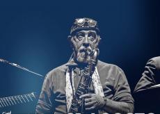 La Guida - Nella notte cuneese rivivono i grandi successi di Francesco Guccini