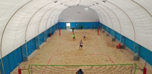 La Guida - Corsi di beach volley indoor con lo Sporting Cuneo