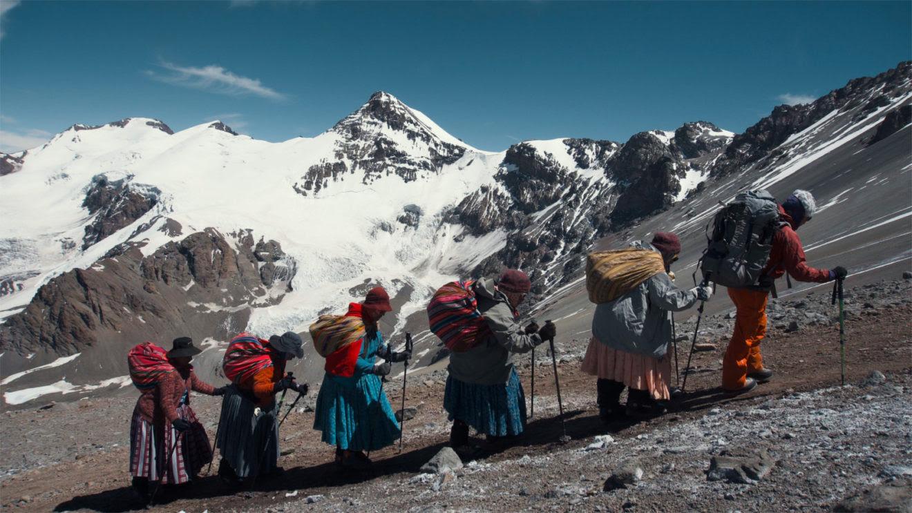 "Donne indigene boliviane nel film ""Cholitas"""