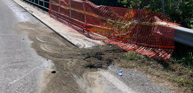 La Guida - San Benigno, guardrail danneggiato lungo un ponte