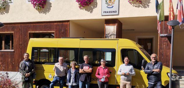 La Guida - Nuovo scuolabus per i ragazzi di Frassino