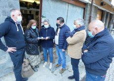 La Guida - Confcommercio Cuneo consegna i contributi per ripartire dopo l'alluvione