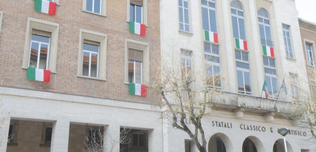La Guida - Movida, scuole superiori e commercio nella stretta della Regione Piemonte