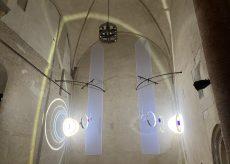 """La Guida - """"E luce fu"""", alla scoperta della mostra tra visite tematiche e laboratori"""