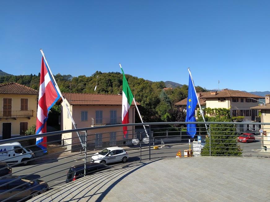 Cervasca - Bandiere del Municipio
