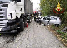 La Guida - Villafalletto, scontro frontale tra auto e camion