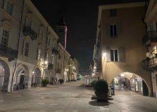 La Guida - Via Roma deserta nella serata prima delle nuove chiusure