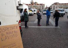 """La Guida - """"Vogliamo sapere come e quando ripartire"""" il commercio in piazza"""
