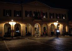 La Guida - Accesa l'illuminazione natalizia nel centro storico di Peveragno
