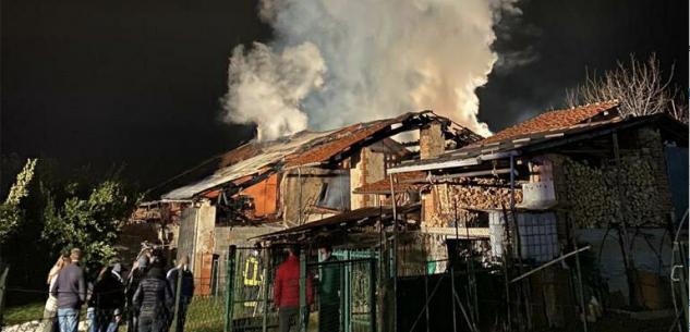 La Guida - Cascinale prende fuoco a Branzola di Villanova Mondovì