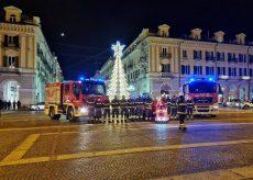 La Guida - I Vigili del fuoco di Cuneo soccorrono… Babbo Natale! (video)