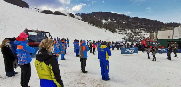 La Guida - A Limone Quota 1400, l'urlo del mondo dello sci alpino (video)