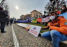 La Guida - Protesta delle stazioni sciistiche a Cuneo, poi dal prefetto