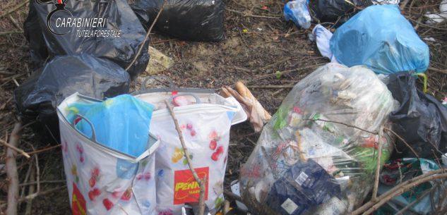 La Guida - Sanzione di 600 euro per abbandono di rifiuti in una scarpata