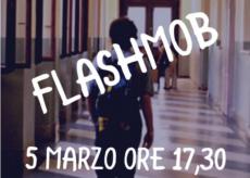 La Guida - A Cuneo un flashmob contro la chiusura delle scuole
