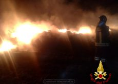 La Guida - Incendio di sterpaglie nelle colline di Langa