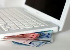 La Guida - Risponde ad un annuncio online per finanziamenti agevolati: truffato