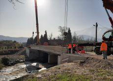 La Guida - Si posiziona il nuovo ponte ciclopedonale verso Rivoira