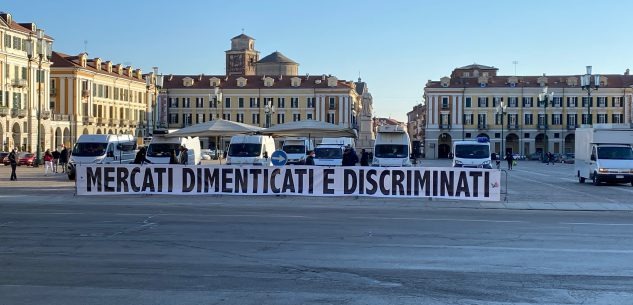 """La Guida - """"Mercati dimenticati e discriminati"""" oggi la protesta degli ambulanti"""