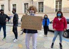 La Guida - Parrucchieri, barbieri ed estetisti protestano: appuntamenti cancellati all'ultimo minuto