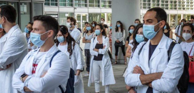 La Guida - Oltre 400 gli specializzandi che si sono offerti volontari per somministrare i vaccini