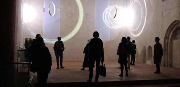 """La Guida - Riprendono le visite guidate in presenza alla mostra """"E luce fu"""""""