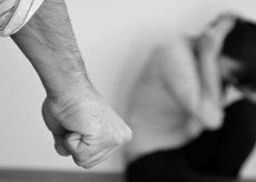 La Guida - Carabinieri arrestano 77enne per violenza domestica