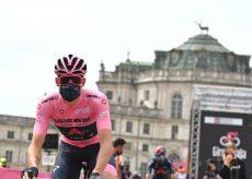 La Guida - Giro d'Italia, da Stupinigi a Novara in attesa dell'arrivo in Granda