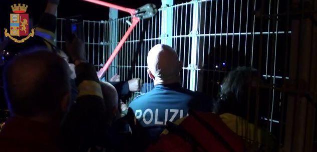 La Guida - Minaccia di gettarsi dal ponte, salvato dalla Polizia a Cuneo