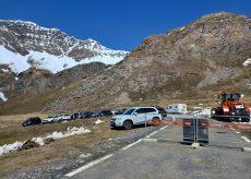 La Guida - Auto, camper, bici e moto e tanti sportivi al Colle dell'Agnello