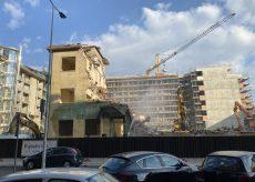 La Guida - Giù anche l'ultimo pezzo dell'edificio dell'ex Ipi a Cuneo