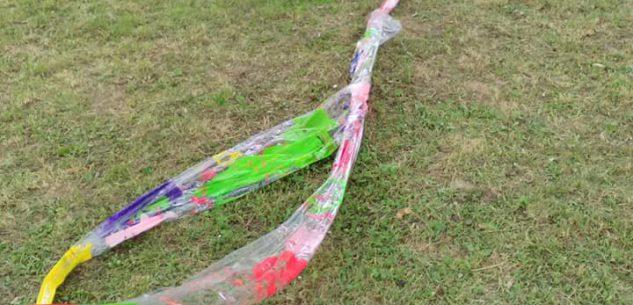 La Guida - Un'installazione dei bimbi della Primaria vandalizzata da ignoti