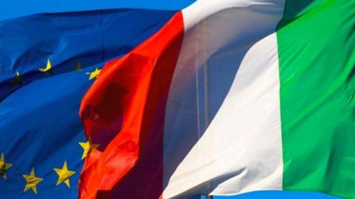 Bandiere Italia e Unione Europea