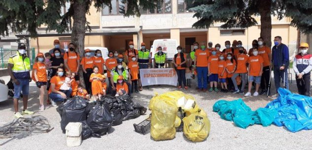 La Guida - Borgo, raccolti 180 chili di rifiuti