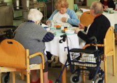 La Guida - Visite a ospiti in case di riposo, ecco come fare il tampone