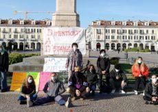 La Guida - La scuola torna in piazza per chiedere un ritorno in aula per tutti