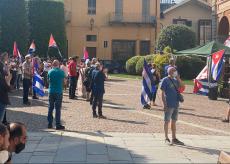 La Guida - Presidio a Cuneo contro il blocco economico a Cuba