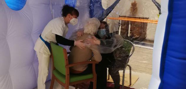 La Guida - Casa di riposo Don Peirone, visite nella stanza degli abbracci