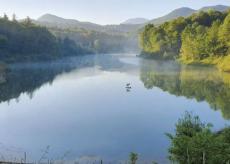 La Guida - Pianfei, tra cappelle rupestri e la rilassante meraviglia del lago