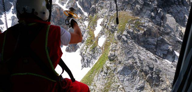 La Guida - Due escursioniste soccorse su un nevaio in alta valle Maira