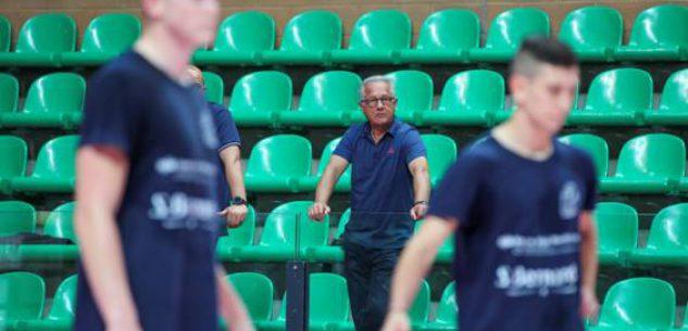 La Guida - Julio Velasco in visita alla Cuneo Volley
